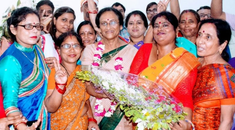 रीता बहुगुणा जोशी का जन्मदिन धूमधाम से मनाया गया।